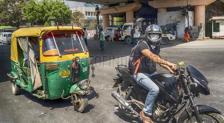 Tuk-Tuk + Motorrad