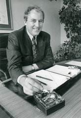 Guenter Wille  Manager Philip Morris  1988