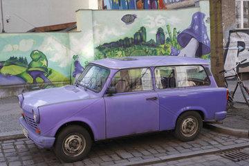 Trabi und streetart in Berlin