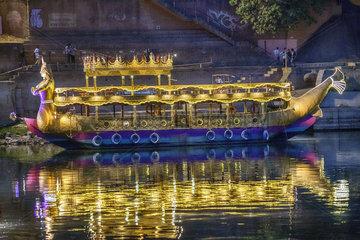 Boot in Varanasi