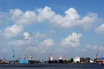 Blick auf den Emder Binnenhafen