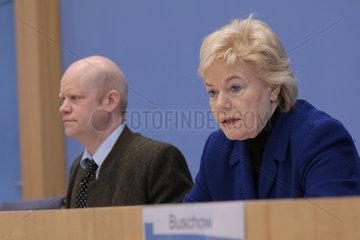 Bundespressekonferenz zum Thema: Klage gegen die Bundesrepublik Deutschland wegen verfassungswidriger Verweigerung von Bundesmitteln fuer die Arbeit der Desiderius-Erasmus-Stiftung e.V.
