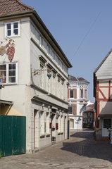 Itzehoe  Deutschland  Blick in die Salzstrasse mit Weinhaus Pfingsten