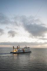Wyk  Deutschland  Faehre Nordfriesland verlaesst den Hafen von Wyk auf der Insel Foehr