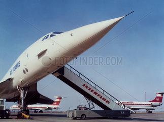 Leipzig  DDR  Concorde der Air France auf dem Vorfeld des Flughafen Leipzig-Schkeuditz