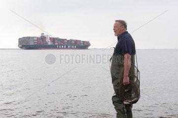 Brokdorf  Deutschland  Nebenerwerbsfischer Klaus Hildenbrandt