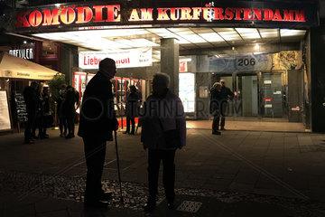 Berlin  Deutschland  Eingang zur Komoedie am Kurfuerstendamm am Abend