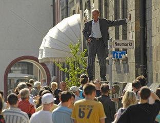 Chemnitz  Deutschland  Aktionskuenstler Johan Lorbeer in Chemnitz