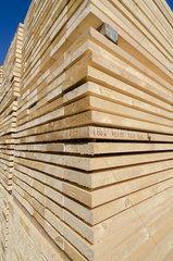 Kremperheide  Deutschland  Bretterstapel bei einer Holzverartbeitenden Firma