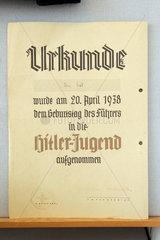 Schoenberg  Deutschland  Urkunde der HJ im Kindheitsmuseum Schoenberg