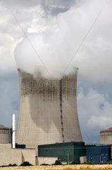 Cattenom  Frankreich  Kuehlturm des franzoesischen Kernkraftwerkes Cattenom