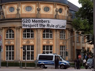 G20-Protestbanner in Hamburg