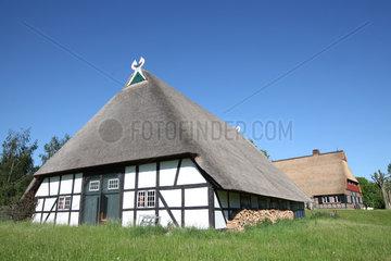Molfsee  Deutschland  Nebengebaeude des Drahtenhof in Molfsee am Freilichtmuseum