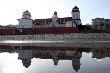 Ruegen  Deutschland  das Kurhaus-Hotel in Binz am Abend