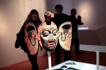 Berlin  Deutschland  die Nulis-Maske in der Huboldt-Box am Schlossplatz in Berlin