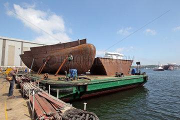 Flensburg  Deutschland  vorgefertigtes Bugteil bei der Flensburger Schiffbau-Gesellschaft