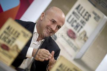 Gianluigi Nuzzi - Buchvorstellung Alles muss ans Licht