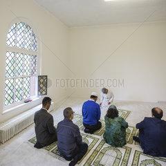 Friday prayers at Ibn Rushd-Goethe-mosque with Seyran Ates