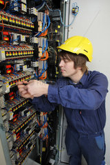 Flensburg  Deutschland  Ausbildung zum Elektroniker fuer Betriebstechnik