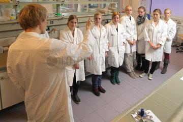 Flensburg  Deutschland  Girlsday im Biolabor der Fachhochschule Flensburg