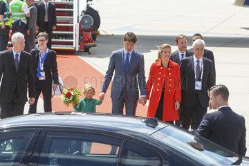 Justin Trudeau  Premierminister Kanada mit Ehefrau Sophie Gregoire und Sohn Hadrien