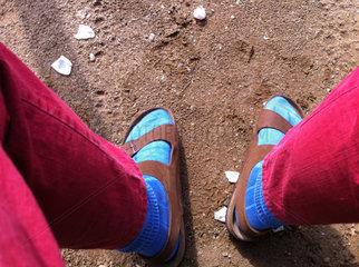 Kremperheide  Deutschland  ein modisches Tabu  Struempfe in Sandalen
