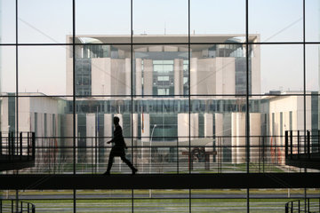 Berlin  Mitarbeiterin des Bundestags im Paul-Loebe-Haus