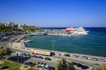 Faehren im Hafen von Rafina  Attika  Griechenland  Europa