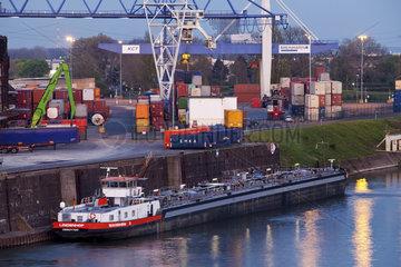 KR_Rheinhafen_04.tif