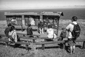 Touristen in Orongo