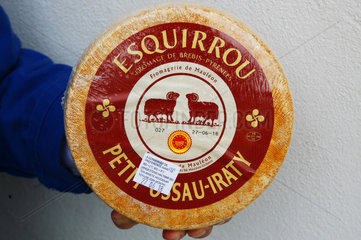 FRANCE - BASQUE COUNTRY - ESQUIRROU  BEST CHEESE OF THE WORLD