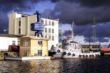 Alter Schlepper im Harburger Hafen
