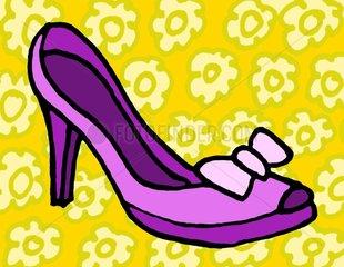 Schuh Pumps lila freigestellt