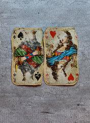 Zwei alte Spielkarten