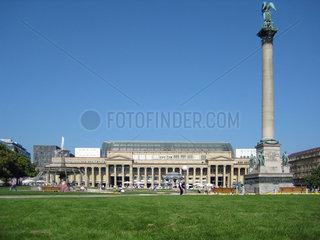 Stuttgart  Deutschland  Koenigsbaupassage und Siegessaeule am Schlossplatz