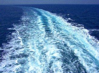 Griechenland Aegaeis Kielwasser Highspeed