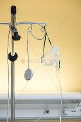 Sauerstoffmaske und Notrufknopf