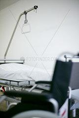 Rollstuhl Bett Zimmer