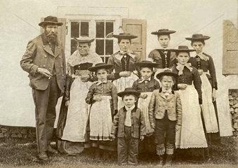 Bauernfamilie  8 Kinder  Bayern  um 1897