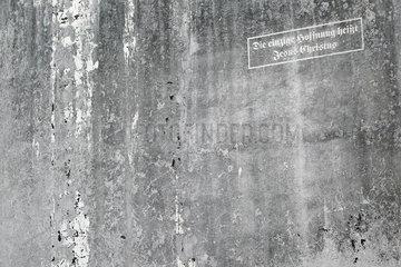 Flensburg  Deutschland  alter Schriftzug an der Fassade eines Wohngebaeudes: Die einzige Hoffnung heisst Jesus Christus