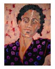Portrait Frau frontal dunkelhaeutig