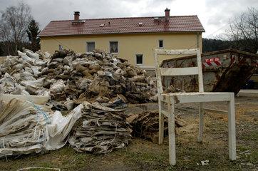 Bad Schandau  Deutschland  Aufraeumarbeiten nach dem Hochwasser