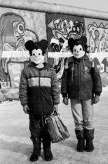 Karneval an die Berliner Mauer