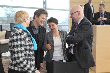 Kiel  Deutschland  Landtag Schleswig-Holstein  Torsten Albig  SPD  Schleswig-Holsteins Ministerpraesident im Gespraech mit Kabinettsmitgliedern