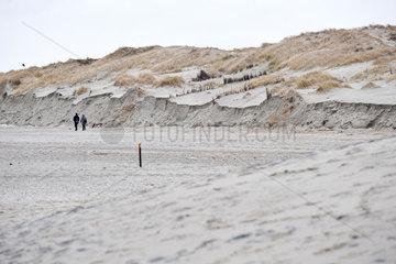 Norderney  Deutschland  Duenenabbrueche nach einem starkem Sturm