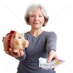 Seniorin vererbt Geld