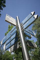 Berlin  Wegweiser der Freien Universitaet Dahlem