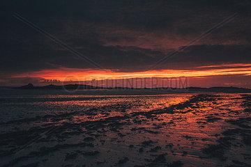 France  Brittany  Landeda  Dunes de Sainte-Marguerite  seascape with beach at dusk