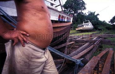 Schiffbauer am Amazonas
