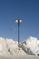 Strassenlaterne im Schnee